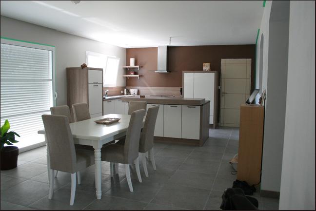 Maison le blog de la famille lemonnier for Passe plat cuisine salon