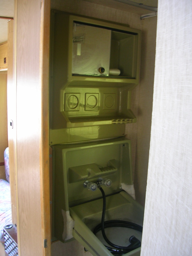Mercedes 307d camping car 148 900 kilom tres 1985 - Cabinet de toilette avec eau courante ...