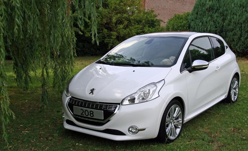Ma 208 xy e hdi blanc banquise votre voiture for Peinture satinee algerie prix