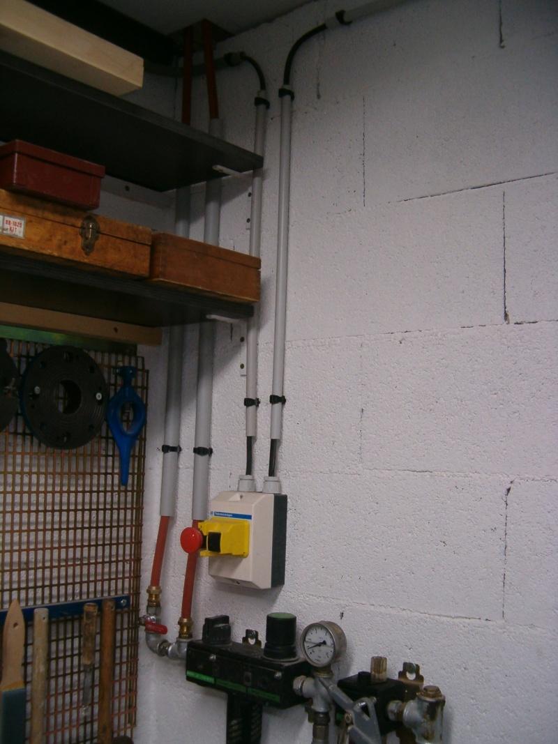 nouvelle installation 380 et 220 dans mon petit atelier. Black Bedroom Furniture Sets. Home Design Ideas